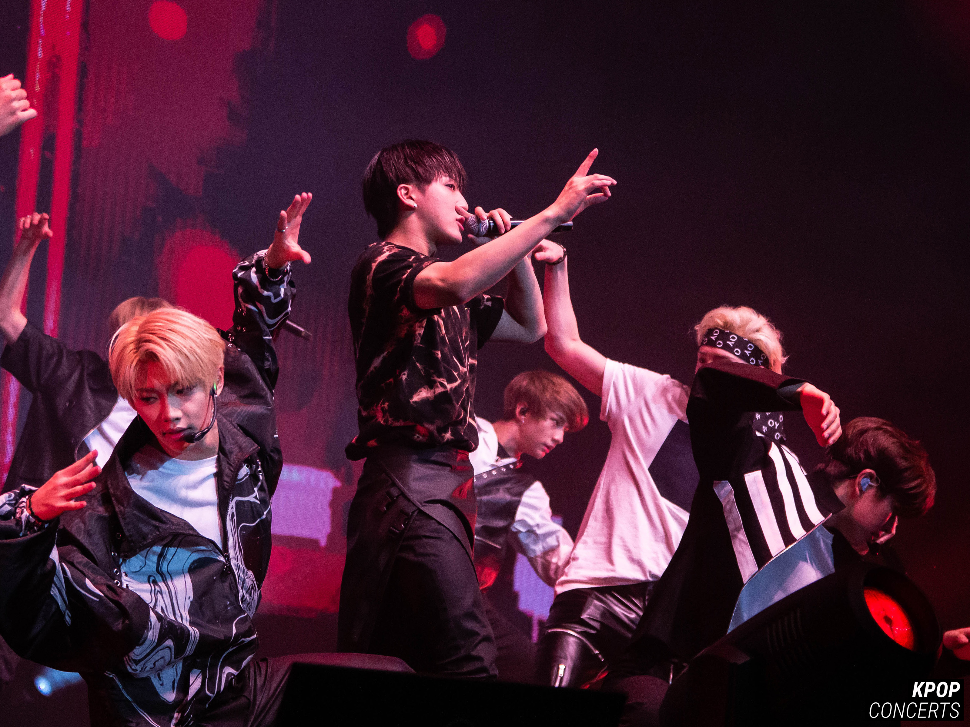 GALLERY: Stray Kids UNVEIL Tour 'I am   ' in LA - K-Pop Concerts